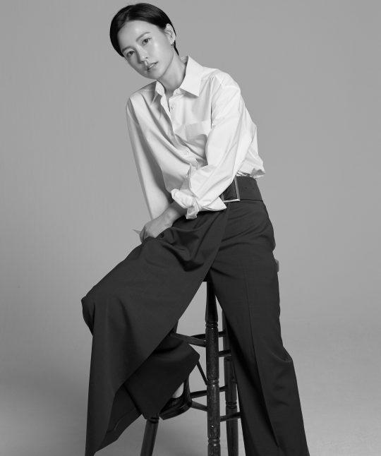 정유미는 극 중 지영의 엄마 미숙으로 열연한 김미경 선배의 모성 연기를 보고 울컥했다고 했다. /사진제공=매니지먼트 숲