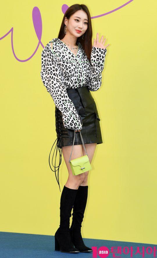 경리가 18일 오후 서울 동대문디자인플라자에서 열린 '2020 S/S 서울패션위크' 카이 컬렉션에 참석하고 있다.