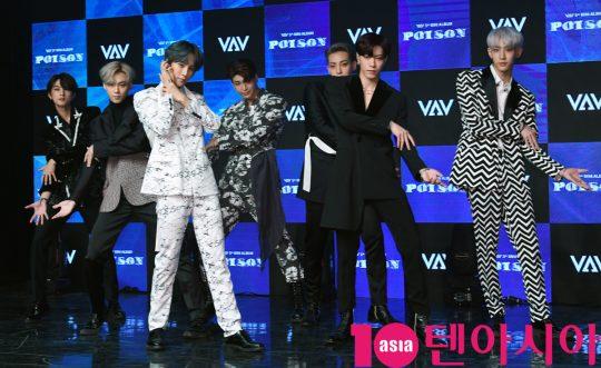 그룹 VAV(에이노, 에이스, 바론, 로우, 지우, 제이콥, 세인트반)가 21일 오후 서울 강남구 청담동 일지아트홀에서 열린 5th 미니앨범 '포이즌(POISON)' 쇼케이스에 참석하고 있다.