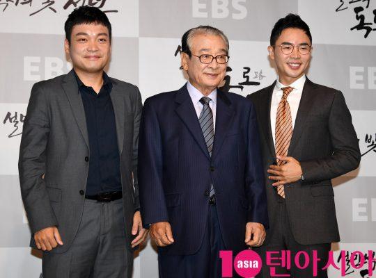 허성호 PD,이순재,설민석(왼쪽부터)이 23일 오전 서울 도화동 베스트웨스턴프리미어 서울가든호텔에서 열린 EBS 2019 가을 역사 다큐멘터리의 기자간담회에 참석하고 있다.