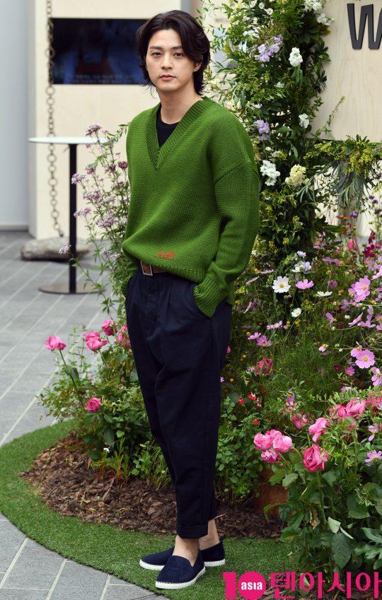 배우 김지훈이 23일 오후 서울 종로구 스위스 대사관에서 진행된 스위스 뷰티 브랜드 WELEDA(벨레다) 포토콜 행사에 참석하고 있다.