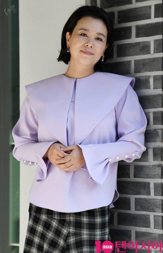 영화 '니나 내나'에서 가족을 끔찍이 아끼는 3남매 가운데 장녀 미정 역으로 열연한 배우 장혜진. /조준원 기자 wizard333@