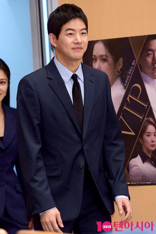 배우 이상윤