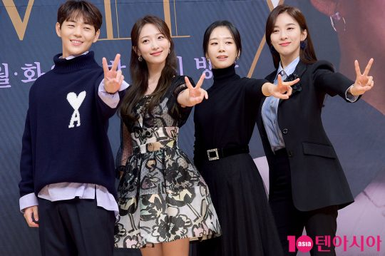 VIP전담팀 팀원으로 등장하는 배우 신재하(왼쪽부터), 표예진, 곽선영, 이청아. /서예진 기자 yejin@