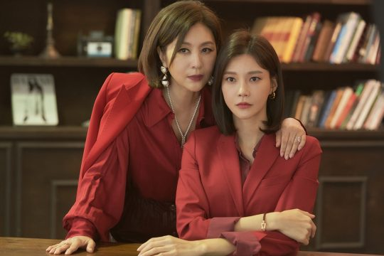 '우아한 모녀' 최명길(왼쪽), 차예련. /사진제공=KBS2