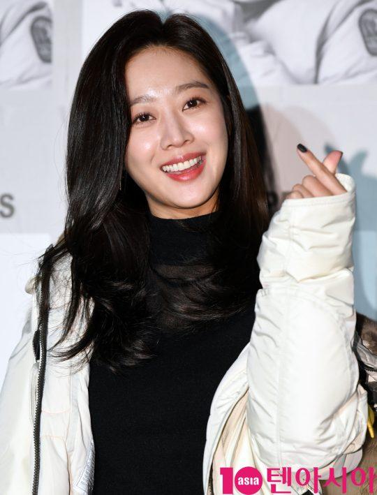 배우 조보아가 30일 오후 서울 성동구 성수동 레이어57에서 열린 파라점퍼스, 19FW 프레젠테이션 개최 기념 포토월 행사에 참석하고 있다.