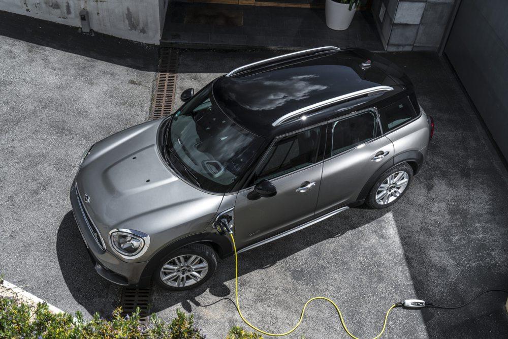 [2019 IAA]미니, 효율 늘린 쿠퍼 S E 컨트리맨 ALL4 선봬