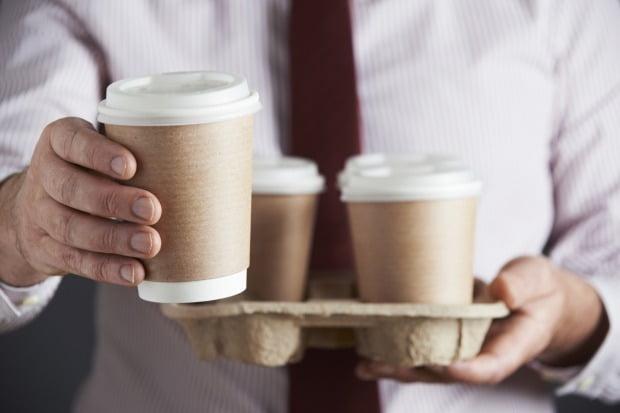 커피를 자주 마시는 사람의 장내 미생물이 커피를 거의 또는 전혀 마시지 않는 사람의 장내 미생물보다 건강하다는 연구 결과가 나왔다. / 사진=게티이미지뱅크