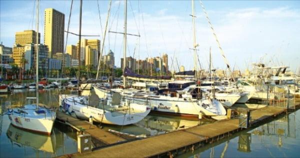 인도양과 아프리카 대륙이 만나는 항구도시 더반의 풍경.