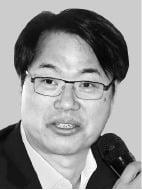"""""""재정정책 '이념적 접근' 안돼…독립적인 감시기구 만들어야"""""""