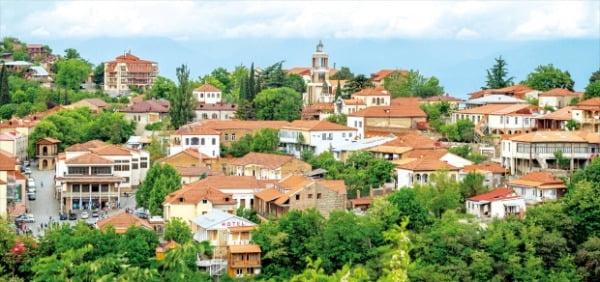 조지아를 대표하는 화가 니코 피로스마니의 애절한 사랑 이야기가 전해지는 시그나기는 '사랑의 도시'로 불린다.