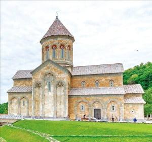 성녀 니노의 기적 같은 이야기가 깃든 보드베 수도원