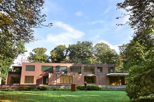 [바우하우스 100년] ② 현대 건축 아이콘과의 만남…크레펠트
