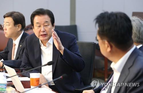 """김무성 """"바른미래당 양심세력과 통합협상 시작해야"""""""