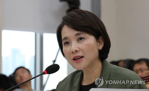 """유은혜, 나경원 아들 논란에 """"감사할 수 있는 사안인지 검토"""""""