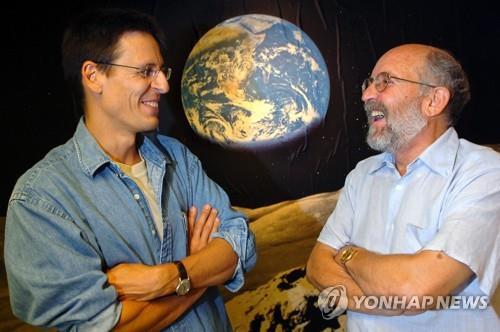 노벨 물리학상, 우주 진화 비밀 밝힌 피블스 등 3명 공동수상
