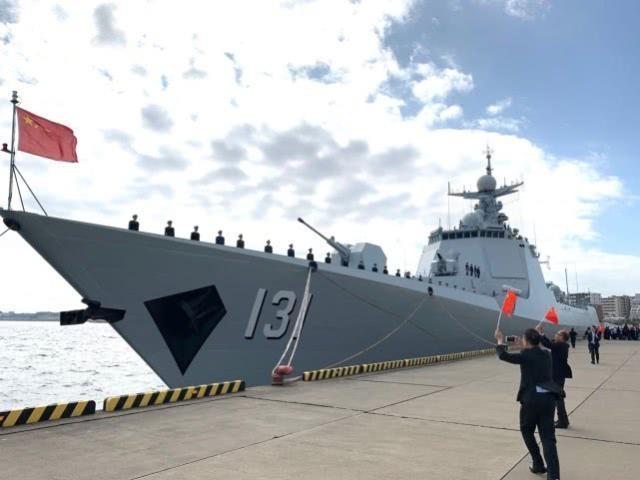 중국 함정, 일본 해상관함식 첫 참가…요코스카 입항