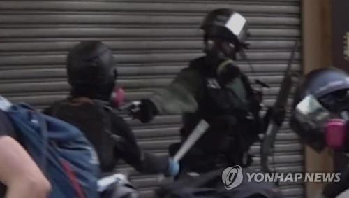 홍콩 시위 체포자 2천명 넘어…3분의 1이 미성년자