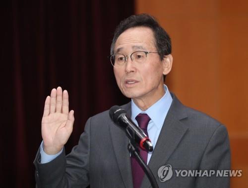 """새만금 태양광사업 두고 여야 공방…송하진 """"후퇴 못 할 상태""""(종합)"""