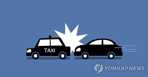 사고 낸 승용차 도주하다 다시 택시 들이받아…1명 숨져(종합)