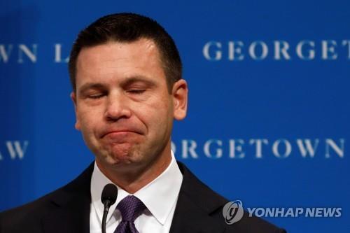 트럼프 강경 이민정책 총괄하던 美국토안보장관 대행 사퇴