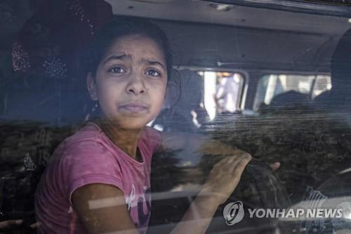 터키, 쿠르드 공격 이틀째 11개 마을 점령…양측 수십명 사망(종합)