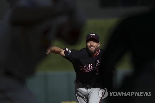 셔저 6이닝 노히트 불꽃투…MLB 워싱턴, NLCS서 쾌조의 2연승