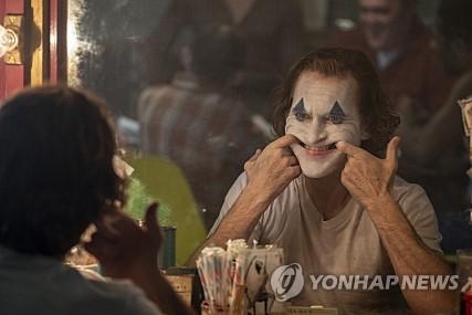 [주말극장가] '조커' 흥행몰이…300만명 돌파