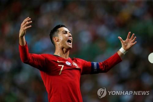 '호날두 득점' 포르투갈, 유로 예선서 룩셈부르크에 3-0 대승