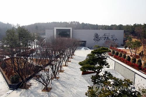울산박물관, 7년째 개인 소장 문화재 훈증소독 지원