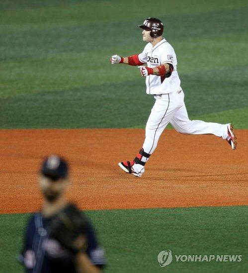 '극적인 홈런 전문' 최정과 박병호의 두 번째 PO 맞대결