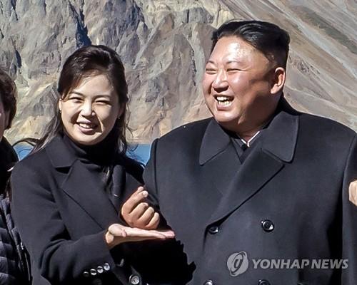 北영부인 리설주의 '두문불출'…122일째 공개석상서 안보여