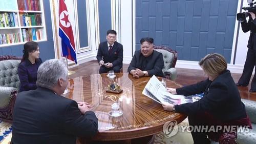 """北김정은, 쿠바대통령 선출 디아스카넬에 축전…""""관계발전 노력"""""""