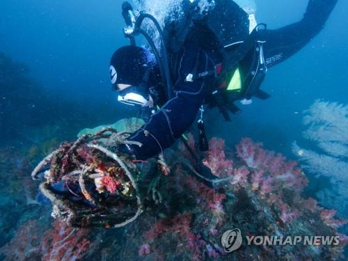 [신음하는 바다] ④ 스티로폼 분해 시간 500년, 낚싯줄 무려 600년