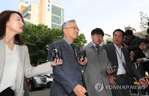 """김성태·이석채 """"함께 식사한 건 2009년""""…검찰, 반박증거 제출"""