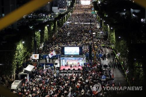 내일 서초동서 다시 '검찰개혁' 대규모 집회…'조국규탄' 집회도