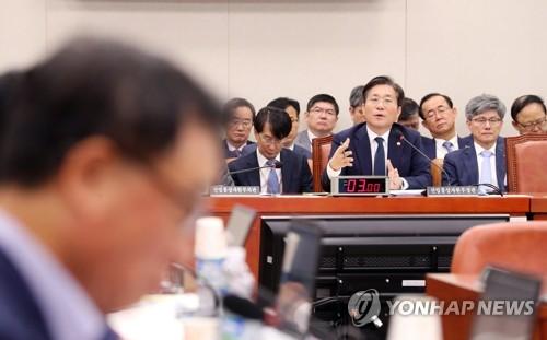 """[국감현장] 산업위 태양광 사업 질타…한국당 """"좌파 비즈니스"""""""