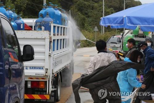 연천 돼지열병 강원도로 번질라…강원 북부 방역 강화