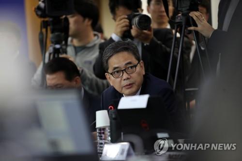 서울대 국감 '자녀 의혹' 난타전…'조국 딸' vs '나경원 아들'(종합2보)