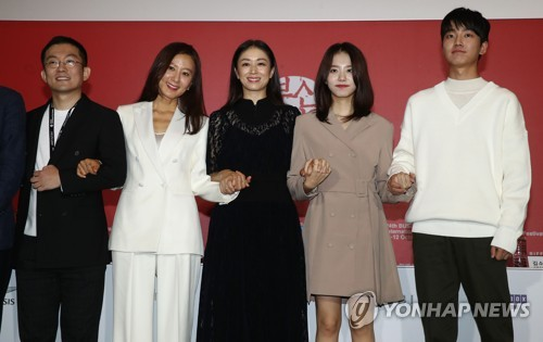 [부산영화제] 폐막작 '윤희에게'…감성 돋보이는 모녀 여행기