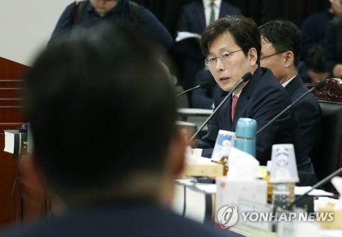 반환점 찍어도 '조국 국감'…'윤석열 별장접대 의혹' 파열음