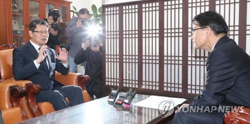 금강산 시설철거 '문서협의' 제안한 北…'창의적 해법' 난항예상