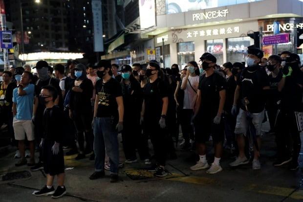 홍콩 시위대, 경찰 만행 규탄 집회 /사진=로이터