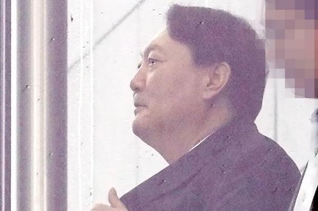"""한겨레21 기자 """"윤석열, 성접대는 아냐""""…김어준 """"윤중천이 거짓말한 것"""""""
