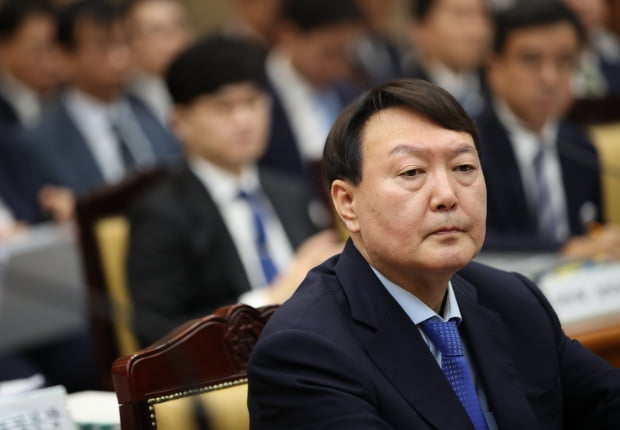 굳은 표정의 윤석열 검찰총장/사진=연합뉴스