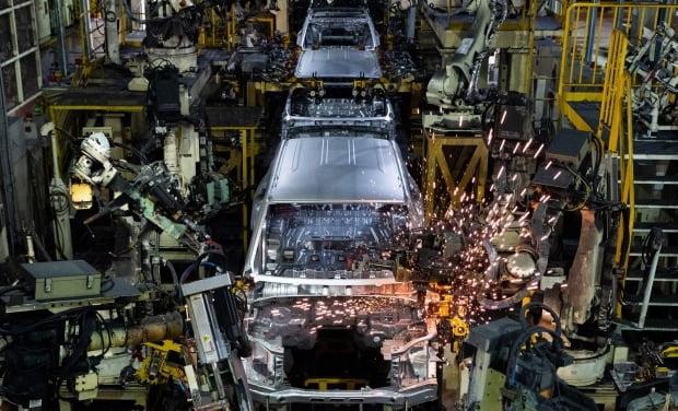 자동차 생산 공장 내부 모습 = 자료사진