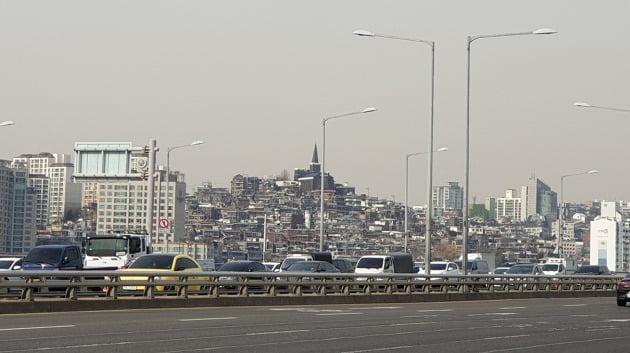재개발 최대어로 꼽히는 서울 한남동 한남뉴타운 일대. 한남3구역 시공사 선정 과정이 과열되면서 민간택지 분양가 상한제 대상 지역으로 지정됐다. 전형진 기자
