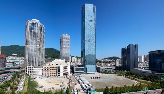 한국거래소, 9일 부산국제금융센터 63층 계단오르기 개최