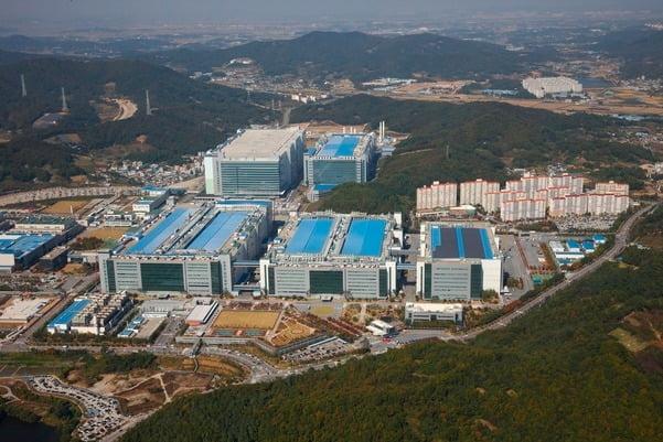 삼성디스플레이 생산라인 전경