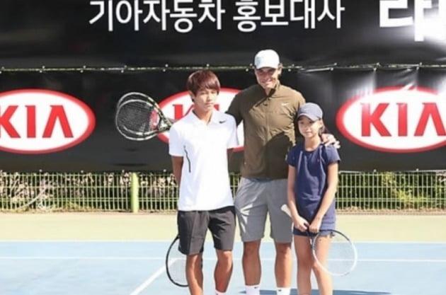 나달은 2013년 한국에 방문해 이덕희 선수를 응원하기도 했다. [사진=연합뉴스]